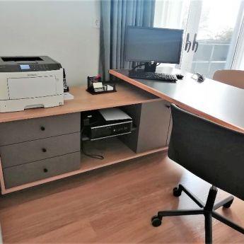 Κατασκευή γραφείου
