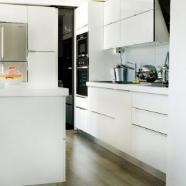 Acrylic white with shockproof HPL countertop handle