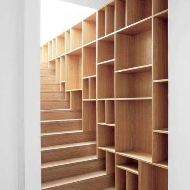 Επένδυση σκάλας parquet & κατασκευή ραφιών