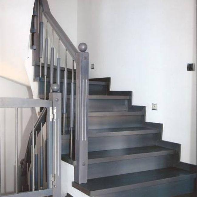 Επένδυση σκάλας laminate & ξύλινο κάγκελο